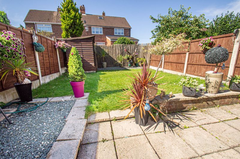 4 bed house for sale in Swan Crescent 3