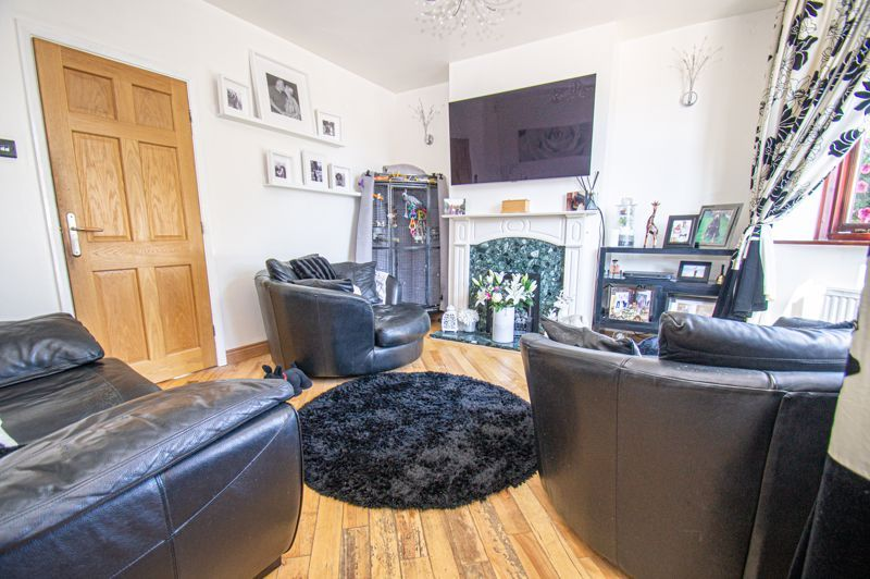 4 bed house for sale in Swan Crescent  - Property Image 4