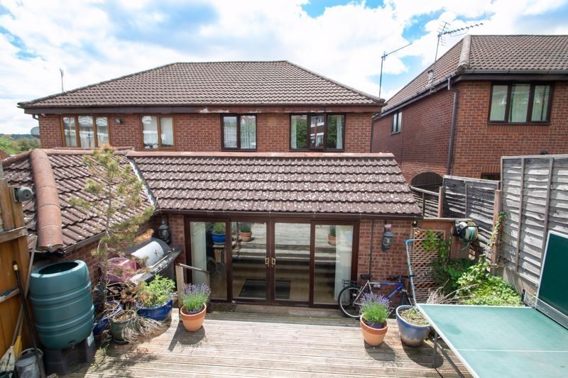 3 bed house for sale in Stour Valley Close 12