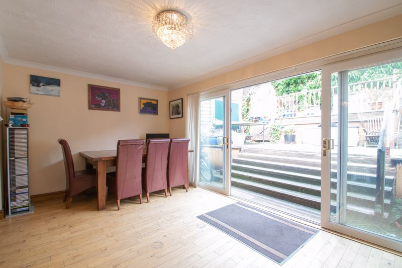 3 bed house for sale in Stour Valley Close 3