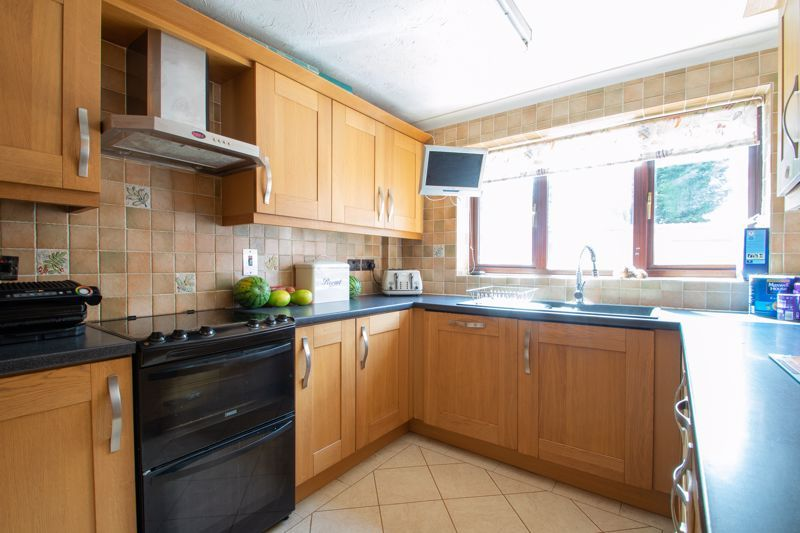 3 bed house for sale in Stour Valley Close 4