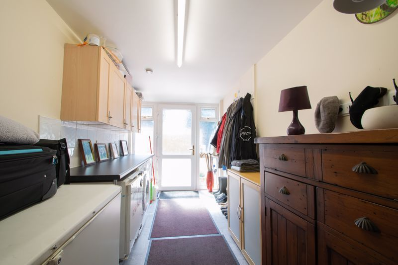 3 bed house for sale in Stour Valley Close 6