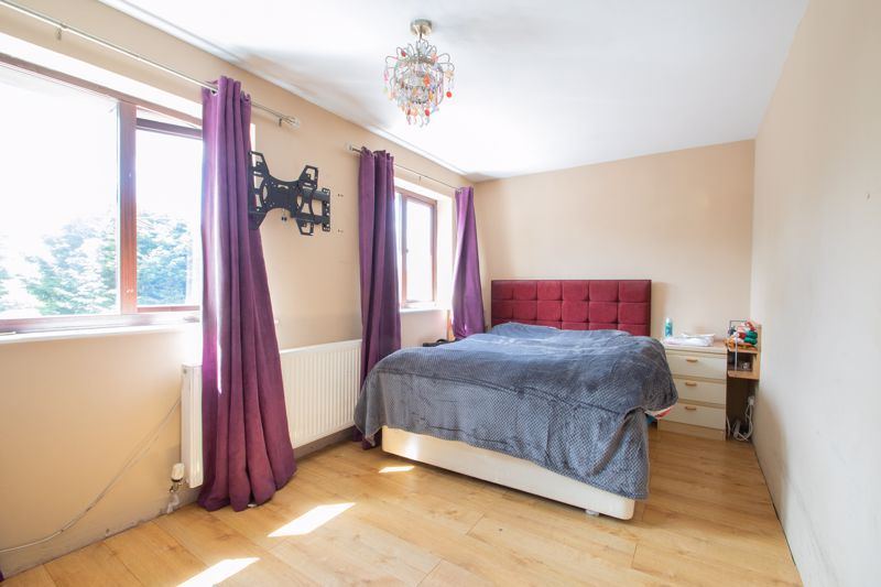 3 bed house for sale in Stour Valley Close 7