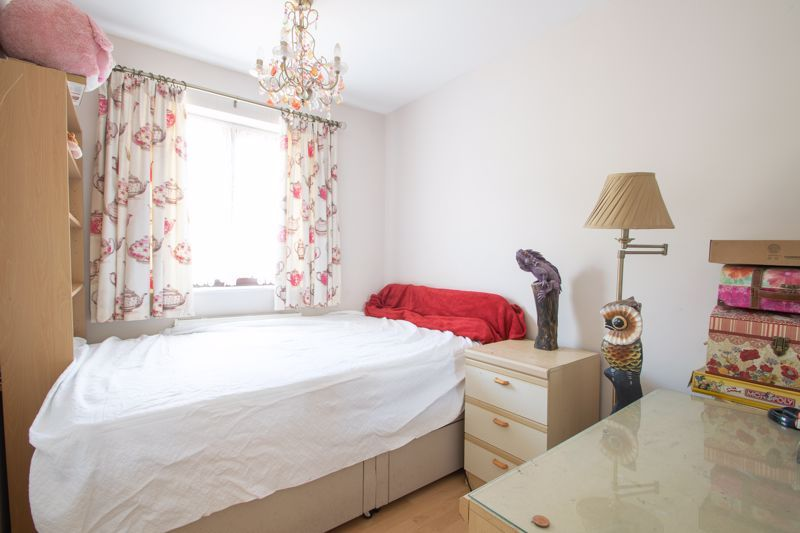 3 bed house for sale in Stour Valley Close 9