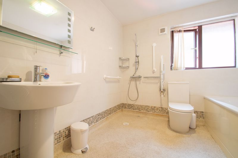 3 bed house for sale in Stour Valley Close 10