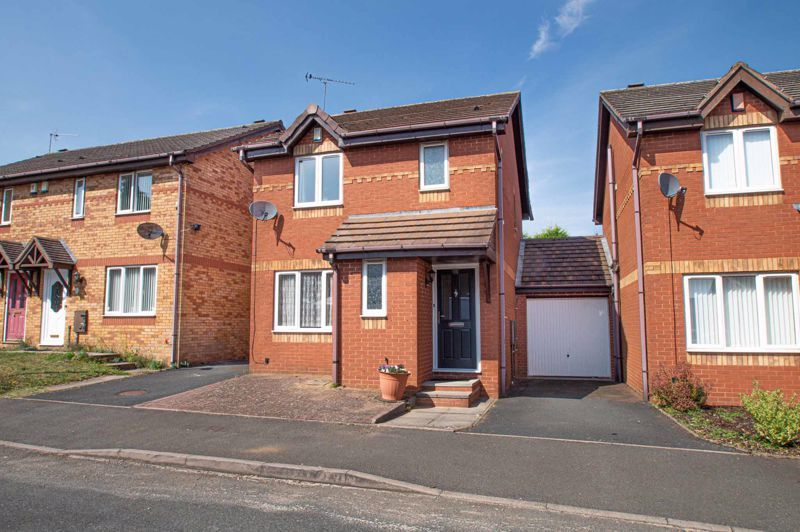 3 bed house for sale in Pear Tree Drive 1