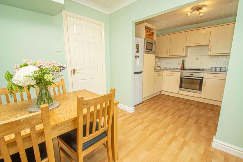3 bed house for sale in Pear Tree Drive 5