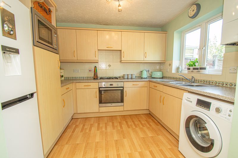 3 bed house for sale in Pear Tree Drive 6