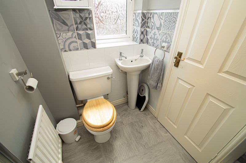 3 bed house for sale in Pear Tree Drive  - Property Image 9