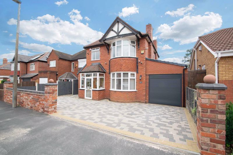 3 bed house for sale in Woodland Road - Property Image 1