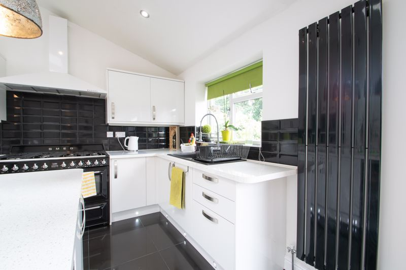 3 bed house for sale in Woodland Road  - Property Image 11