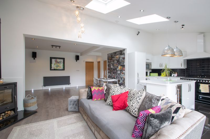 3 bed house for sale in Woodland Road  - Property Image 14