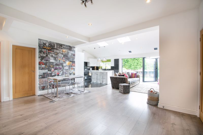 3 bed house for sale in Woodland Road 6