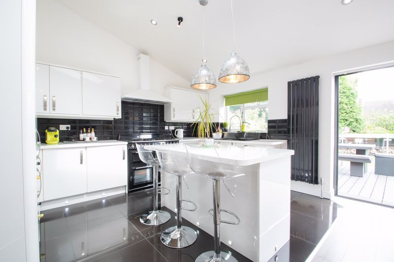 3 bed house for sale in Woodland Road  - Property Image 9