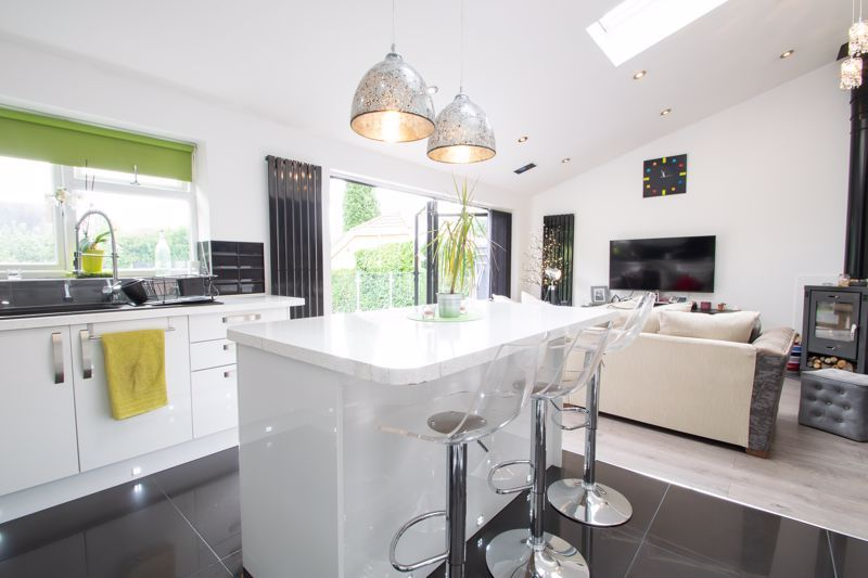 3 bed house for sale in Woodland Road  - Property Image 10