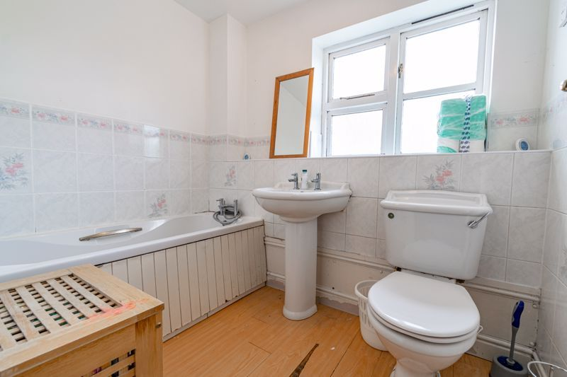 4 bed house for sale in Alcester Road 11