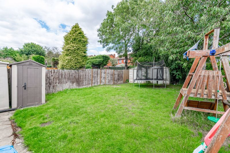 4 bed house for sale in Alcester Road 12