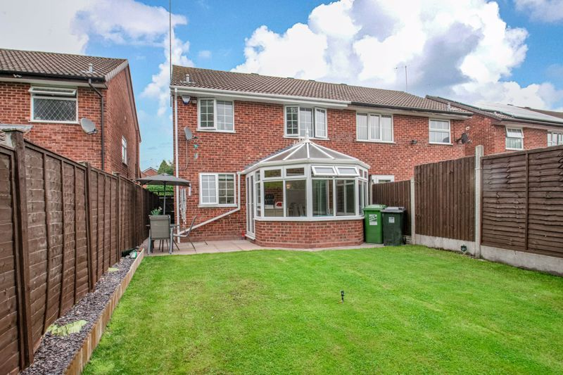 3 bed house for sale in Maisemore Close 13