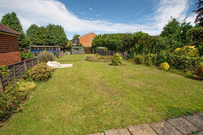 3 bed bungalow for sale in Braces Lane 13