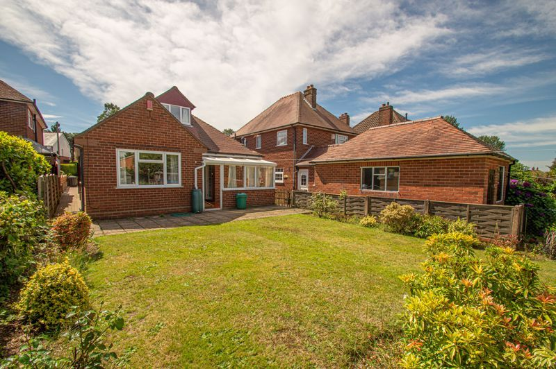 3 bed bungalow for sale in Braces Lane 14