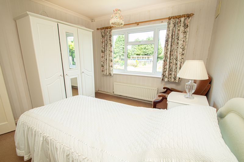 3 bed bungalow for sale in Braces Lane 16