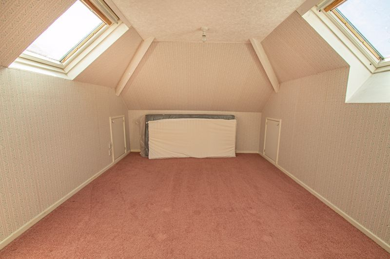 3 bed bungalow for sale in Braces Lane 17