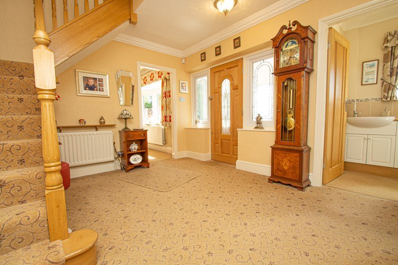 4 bed house for sale in Redlake Drive  - Property Image 12