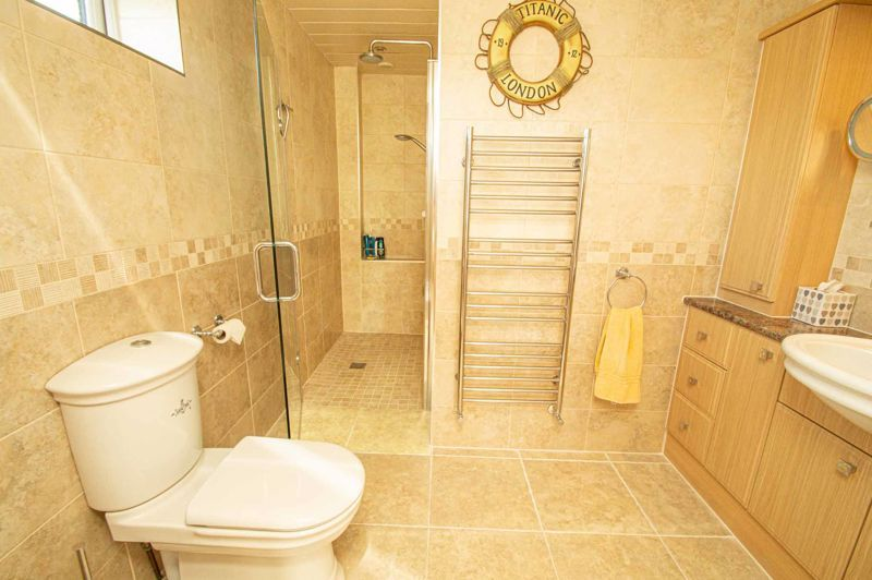 4 bed house for sale in Redlake Drive  - Property Image 17