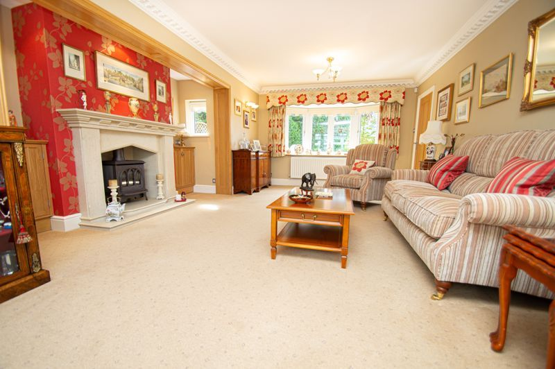 4 bed house for sale in Redlake Drive  - Property Image 3