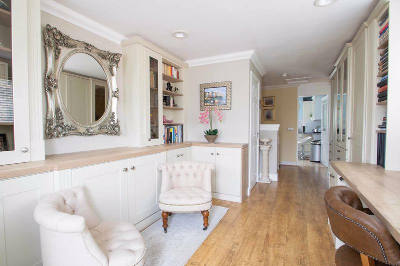 4 bed house for sale in Brockmoor Close 4