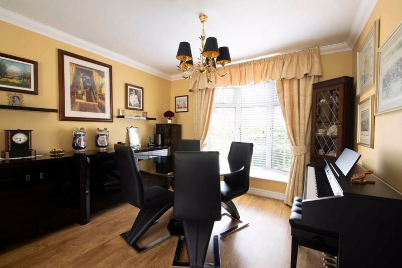 4 bed house for sale in Brockmoor Close 8