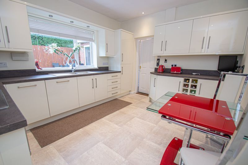 3 bed bungalow for sale in Gilbanks Road 3