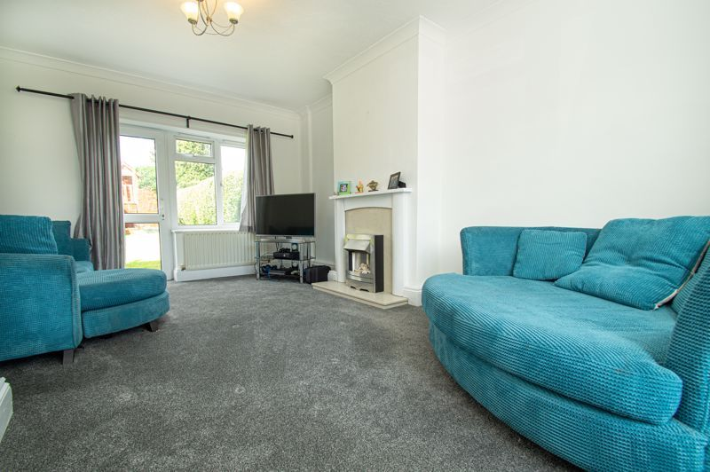 3 bed house for sale in Bishop Hall Crescent 2