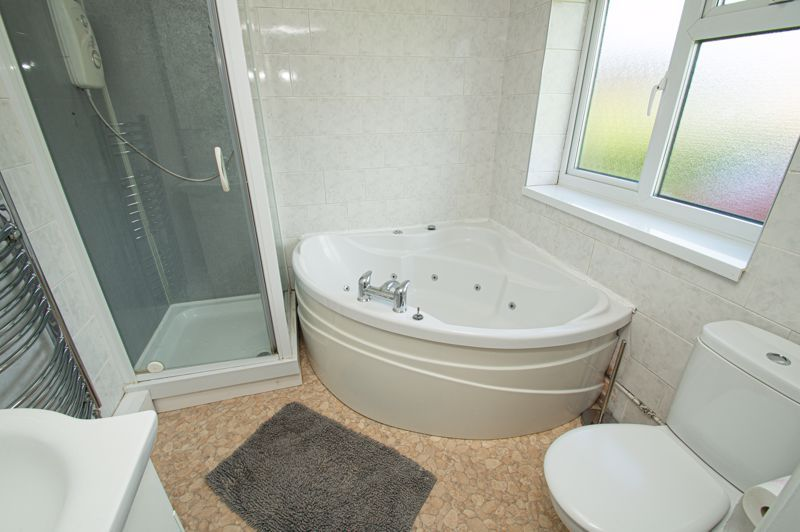 3 bed house for sale in Bishop Hall Crescent  - Property Image 11