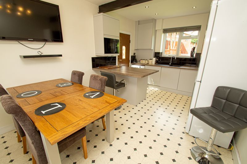 3 bed house for sale in Bishop Hall Crescent 4