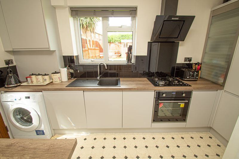 3 bed house for sale in Bishop Hall Crescent  - Property Image 6