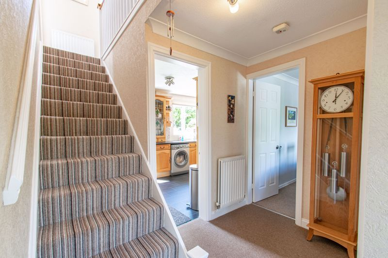 4 bed house for sale in Fairford Close 18
