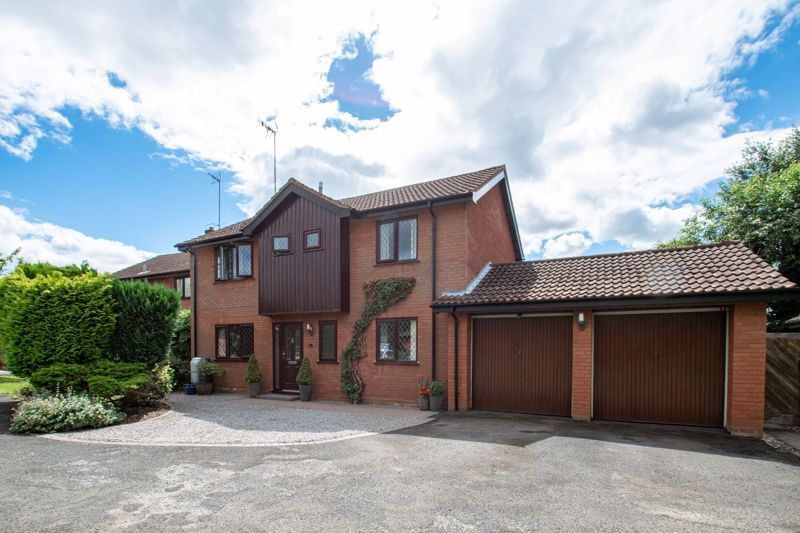 4 bed house for sale in Fairford Close 20