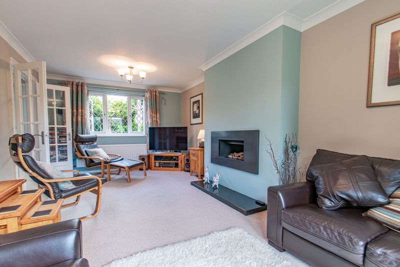 4 bed house for sale in Fairford Close 3
