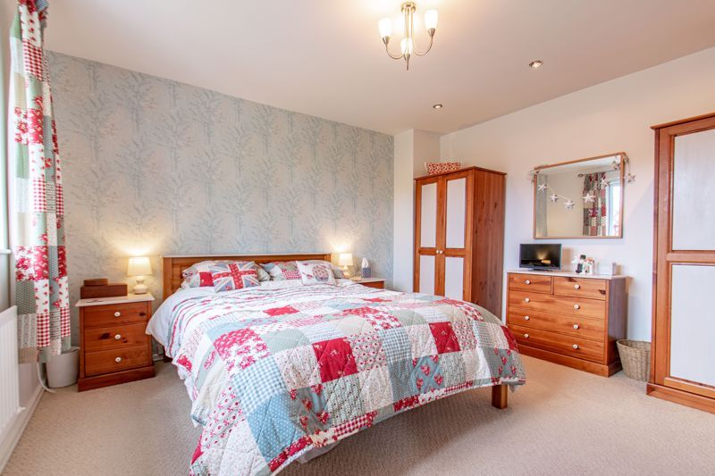 4 bed house for sale in Fairford Close  - Property Image 7
