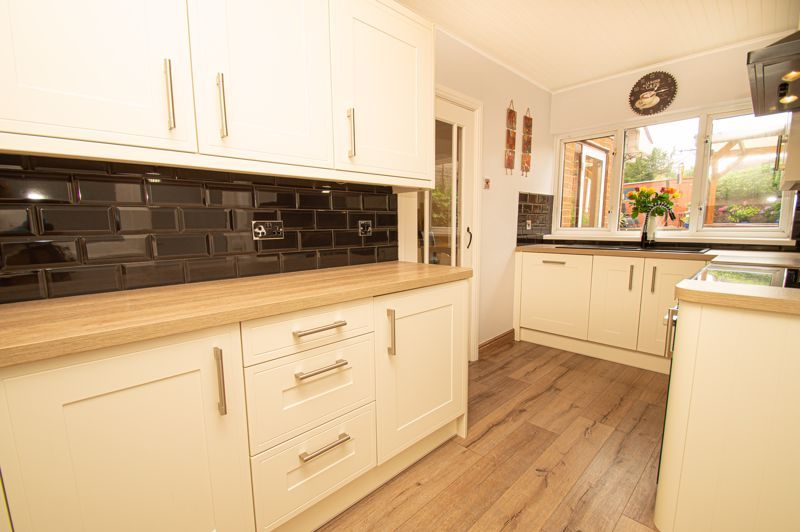 3 bed house for sale in Claines Road 5