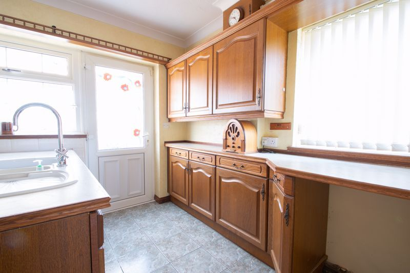 3 bed house for sale in Murcroft Road 16