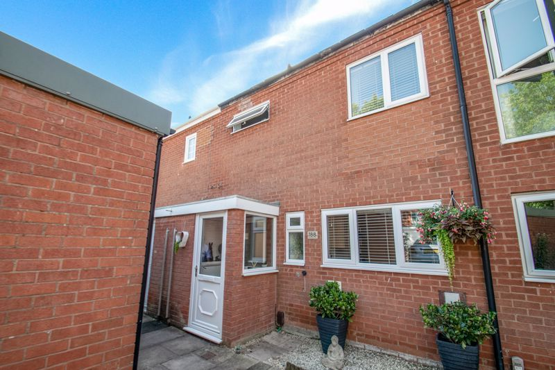 3 bed house for sale in Greenlands Avenue - Property Image 1