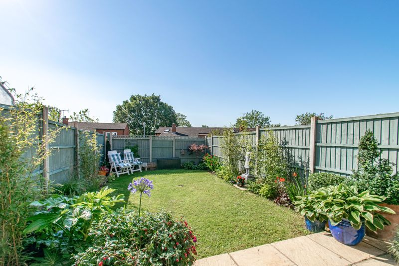 3 bed house for sale in Greenlands Avenue 11