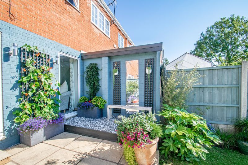 3 bed house for sale in Greenlands Avenue 13