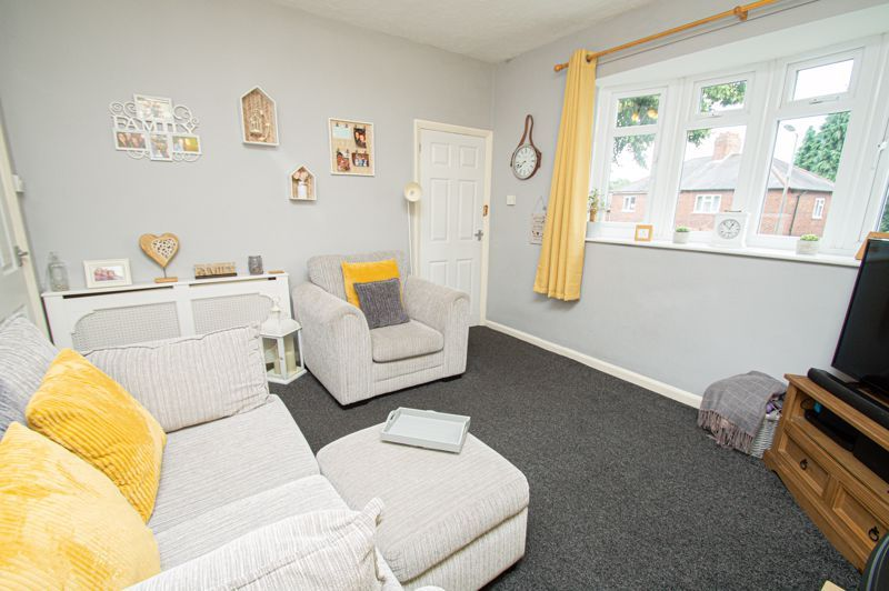2 bed house for sale in Beecher Road East 4