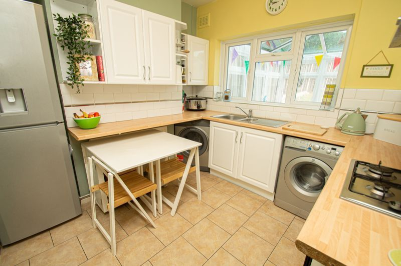 2 bed house for sale in Beecher Road East  - Property Image 5