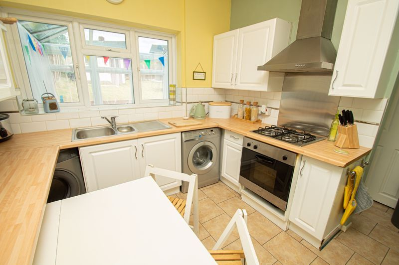 2 bed house for sale in Beecher Road East 6