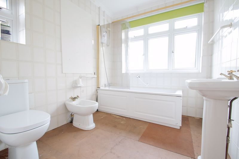 3 bed house for sale in Bowling Green Road 11