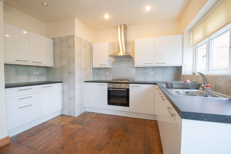 3 bed house for sale in Bowling Green Road 4